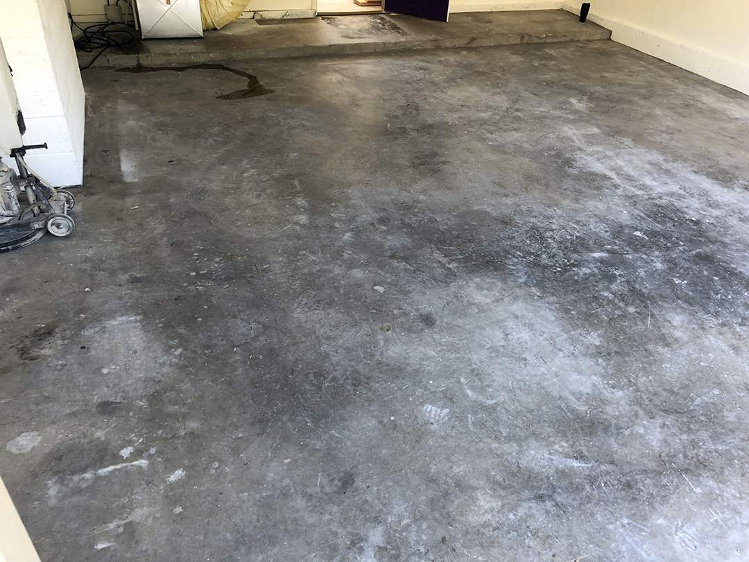 Garage Epoxy Flake - Before